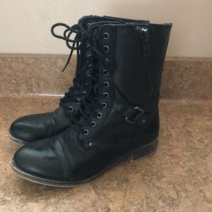 black combat boots - good condition!
